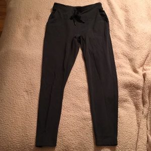 Lululemon joggers in grey!!!
